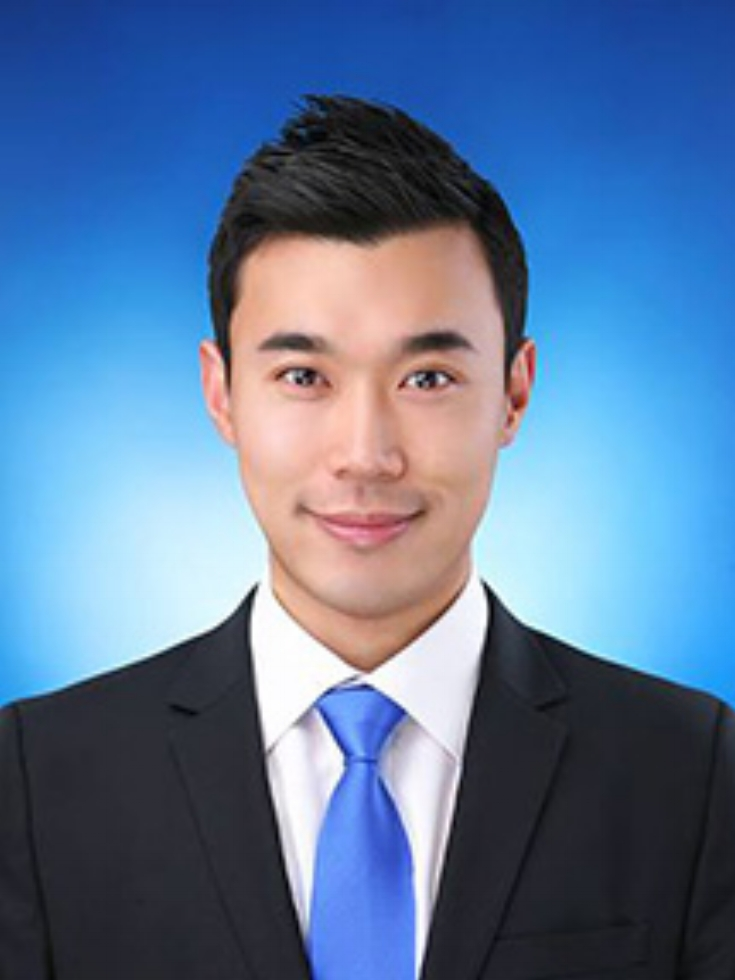 Jay Kang    Associate   Jay has participated in various internal and outsourced accounting projects, financial statement audits and forensic accounting engagements.  He has experience in documenting audit procedures, analyzing detailed datasets, and creating accounting schedules for monthly and quarterly compilations for private sector clients.  Jay is fluent in Korean.