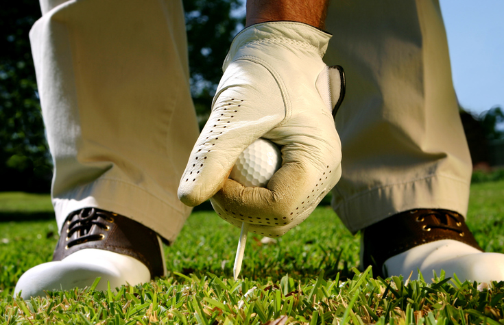 Teeing-up-a-Golf-ball-172676939_736x476.jpeg