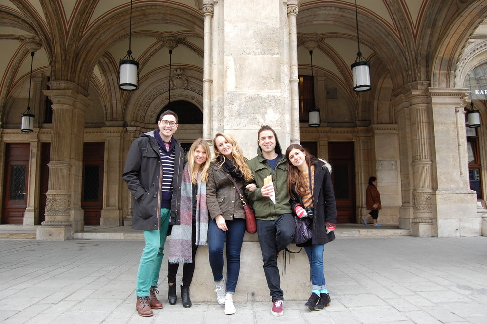 jenna+and+friends+in+paris2014-02-16+21.20.10-2.jpg