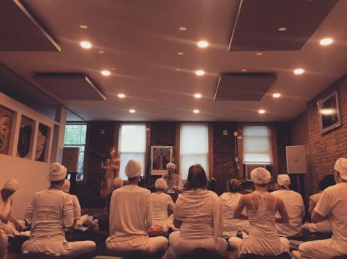 Groupp sadhana at Golden Bridge Yoga during yoga teacher training in early 2017.