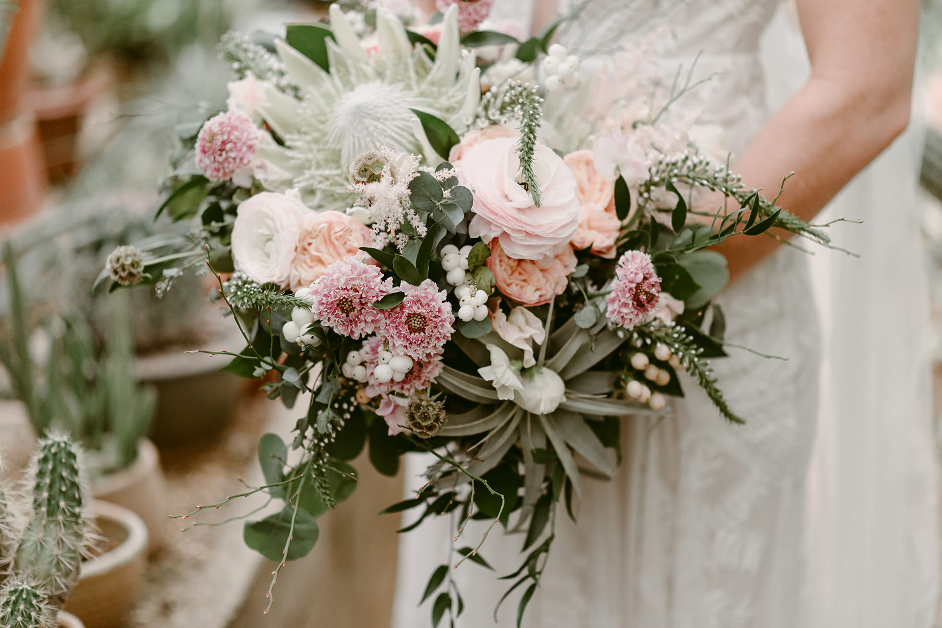 Vaso Bello bouquet photographed by  Julie Pepin Photography