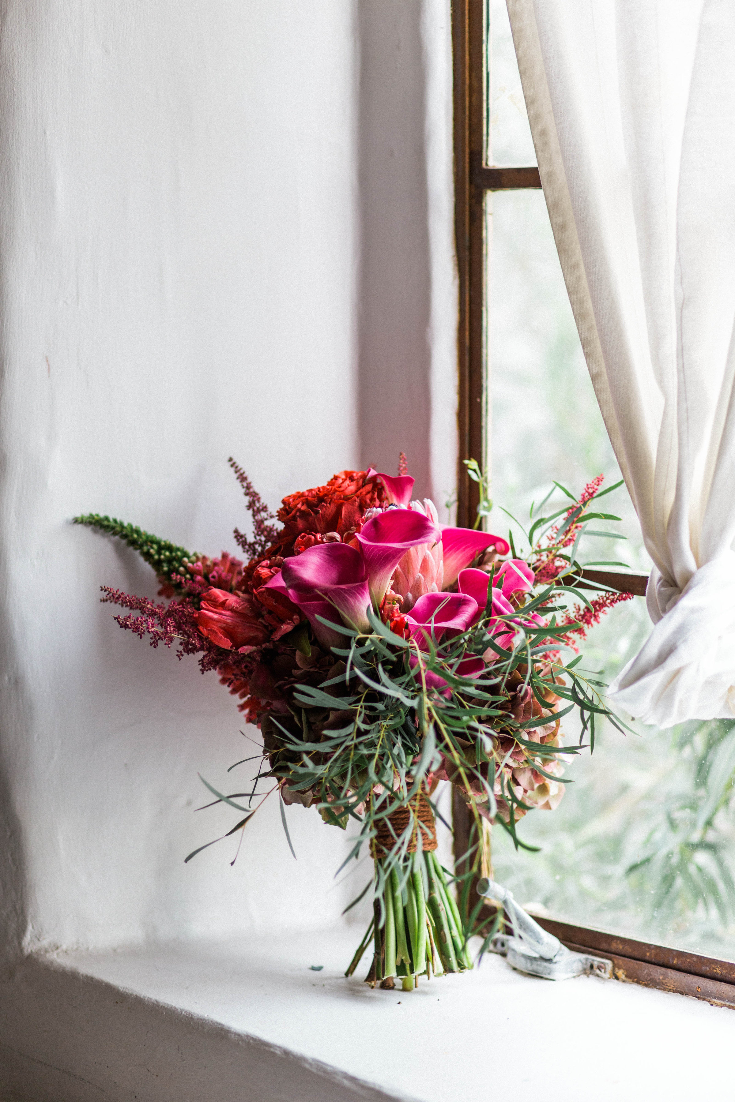 Vaso Bello bouquet photographed by  Sarah Falugo Photography
