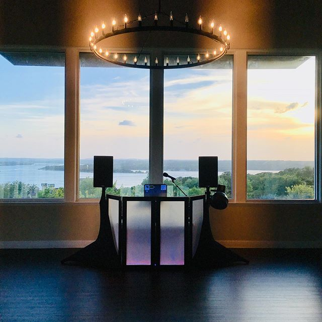 Beautiful views 😍 for days 🌅! . 💒 #wedding 🎉 #event 🎚#dj 🌇 #austin 🤠 #texas