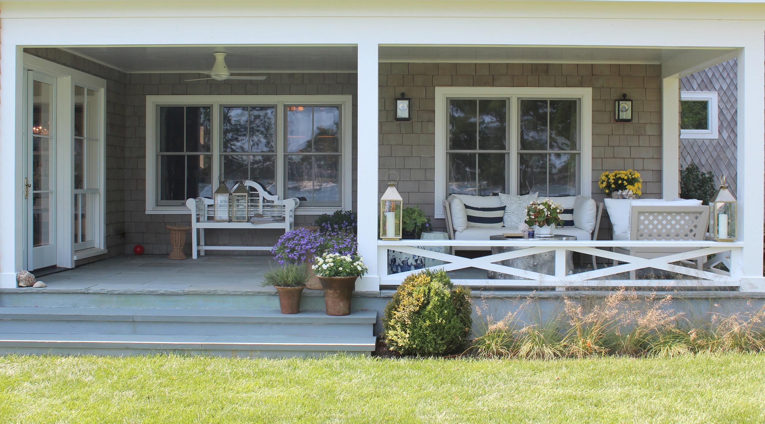 Shelter-Island-NY-Harbor-House-Porch-From-Grass-Studio-Geiger-Architecture-Princeton-New-York.jpg