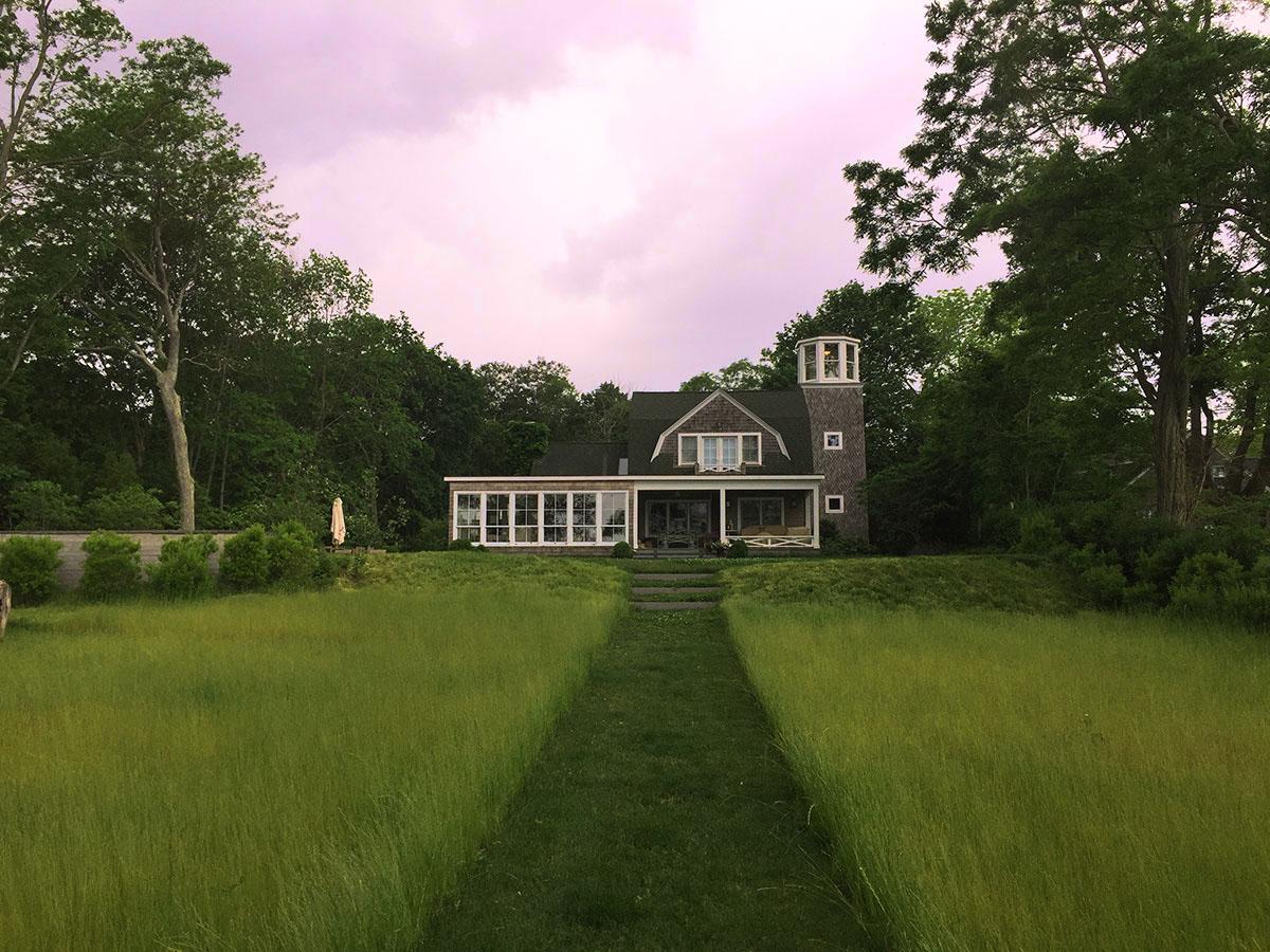 Shelter-Island-NY-Harbor-House-Exterior-Landscape-Design-Sky-Studio-Geiger-Architecture-Princeton-New-York.jpg