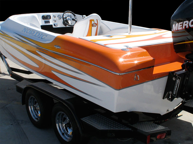 Hot Rod - Based on their ski race hull, the 21 Crossfire is a serious small boat, built to handle anything.