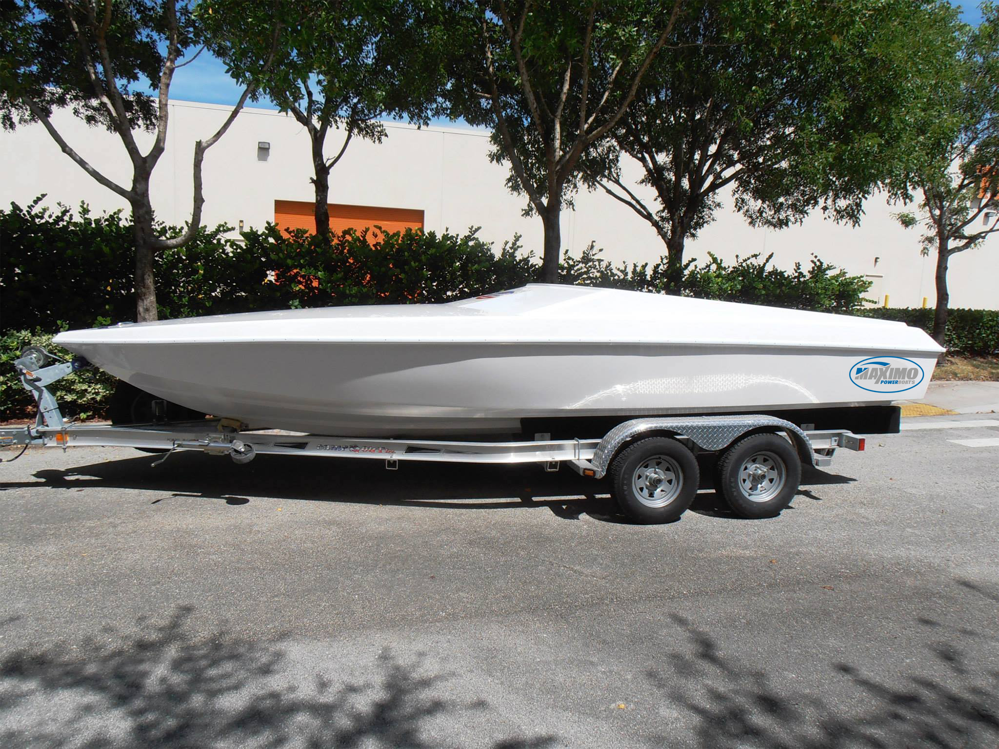 The Maximo Powerboats 21. A 200 or 225 HP outboard is perfect for this hull.