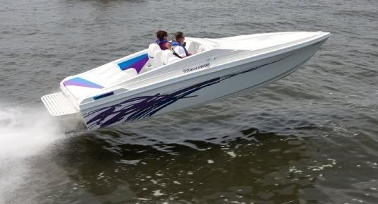 Small - Good things come in small packages. I love single engine boats, and this is a really nice single engine offshore option.
