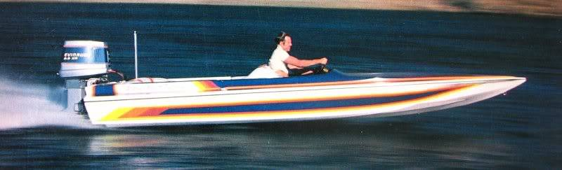 A beautiful Stoker SST (sport tunnel) running with with an Evinrude 2.6 XP, a popular engine in eighties, and a force in Mod VP.