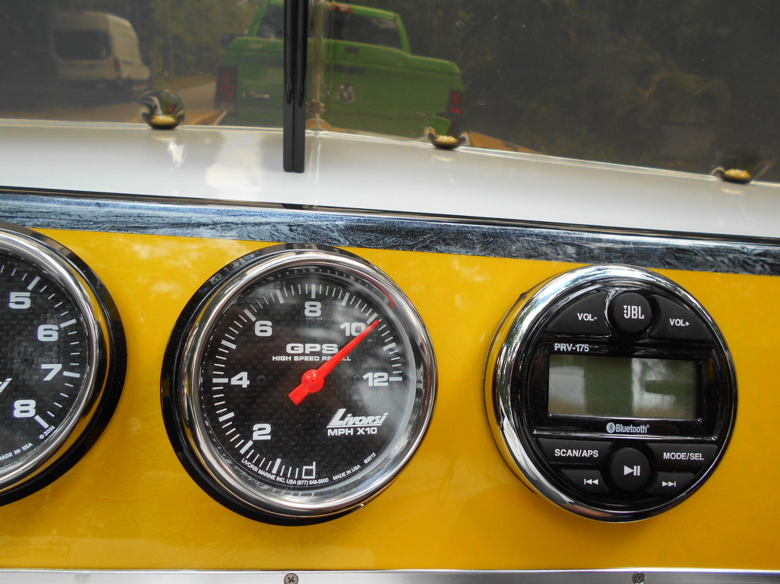 The black oversize Livorsi gauges really look striking against the yellow dash.