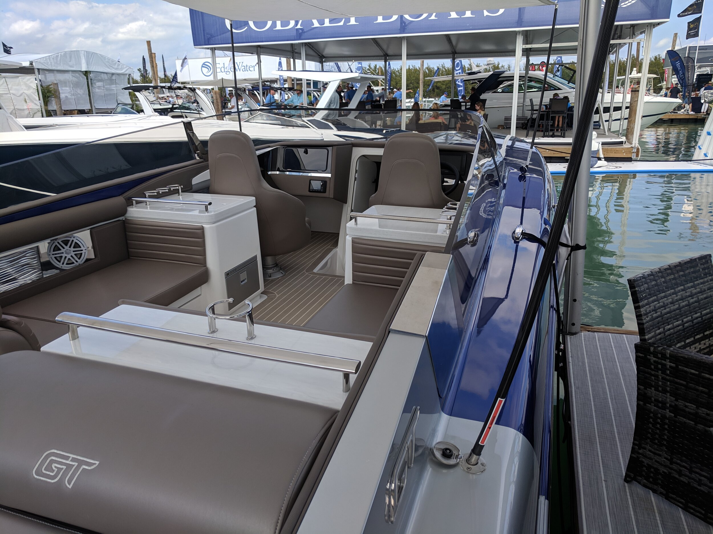 I don't love the seating in the Donzi GT, but you sure have a lot of room. The big Donzi is definitely going for the luxury market, full windshield, outboard power, and champagne glass holders.