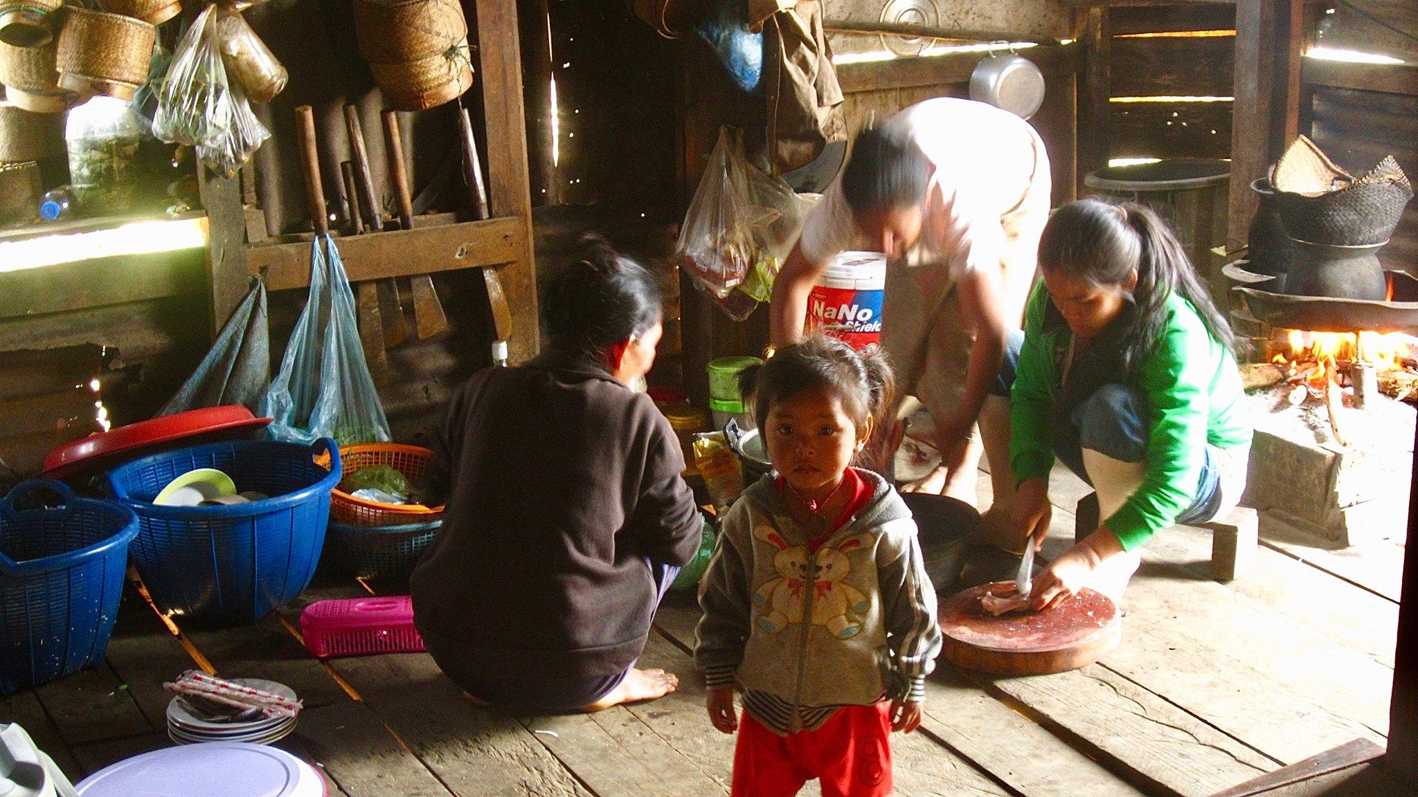 JCFC women of Nong Louang preparing lunch