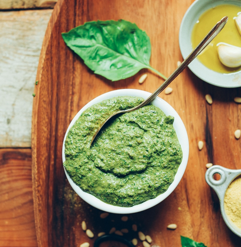 EASY-Vegan-Pesto-in-5-minutes-No-oil-optional-big-flavor-SO-easy-vegan-glutenfree-pesto-recipe-pasta.jpg