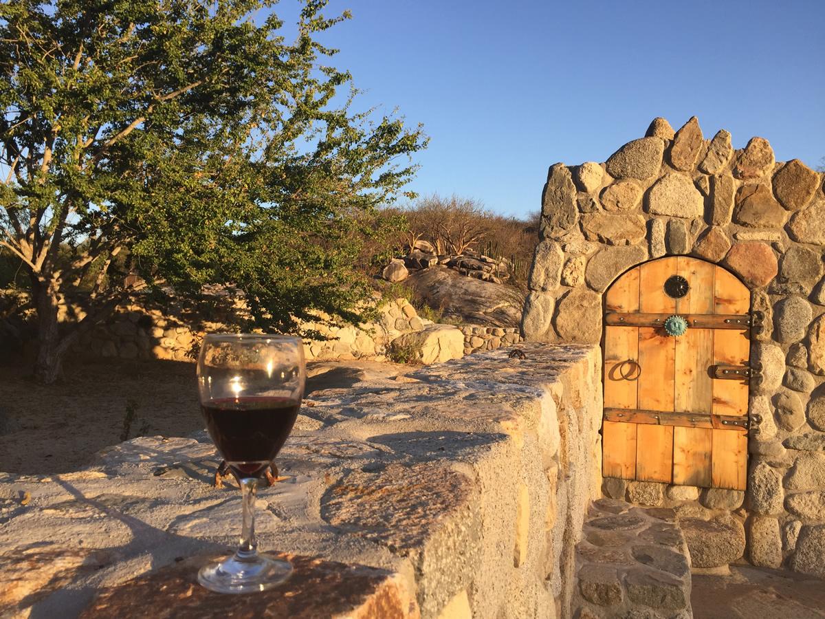 wine_by_pool.JPG