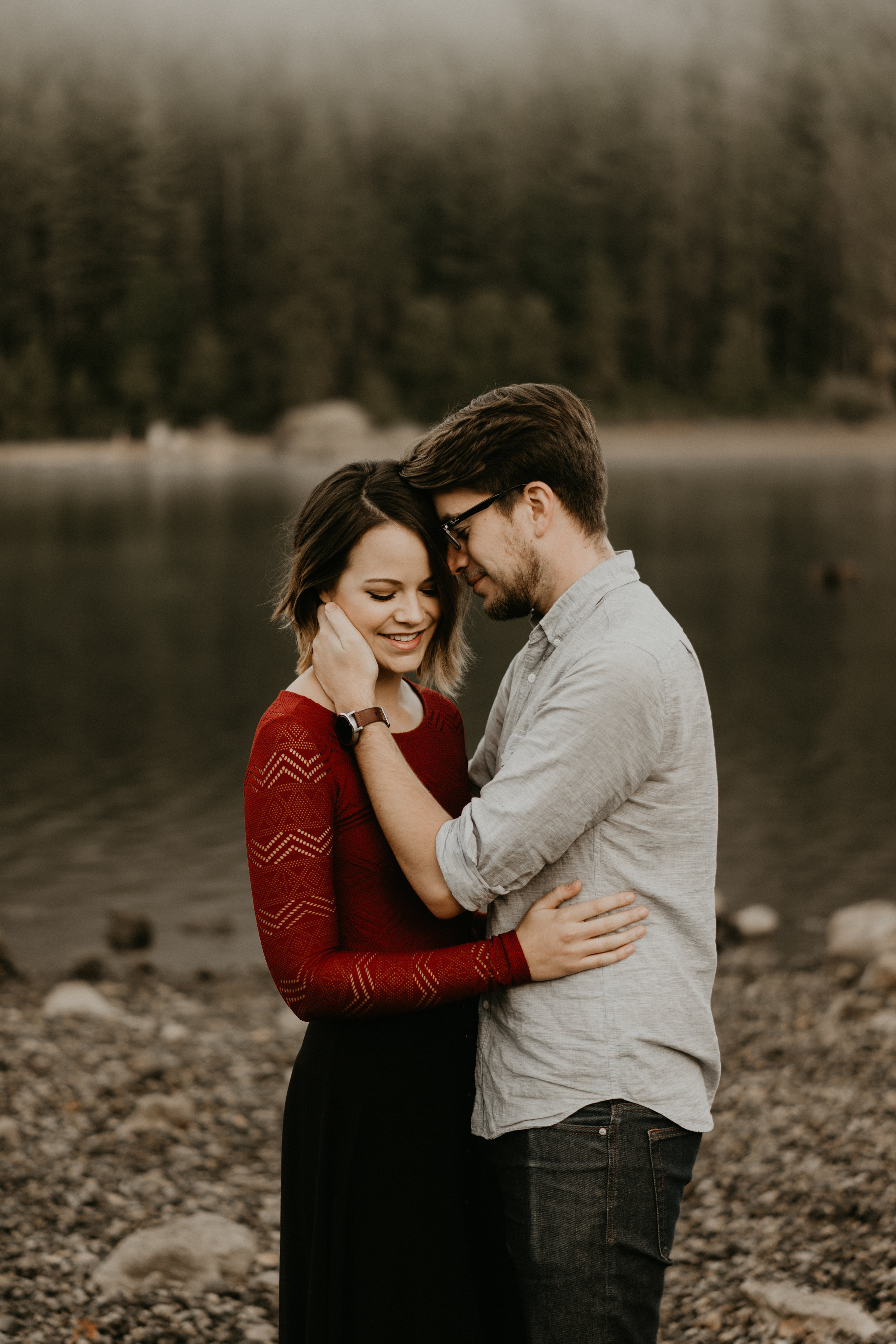Rattlesnake Lake engagement photos on a foggy morning that is very pacific northwest