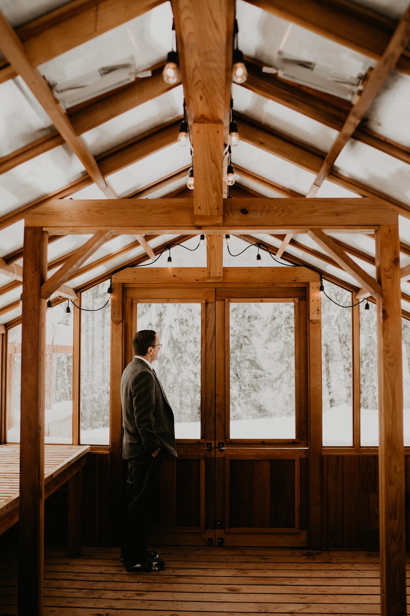 Mount-Rainier-Snow-Winter-Elopement-Adventure-Photographer2-13.jpg