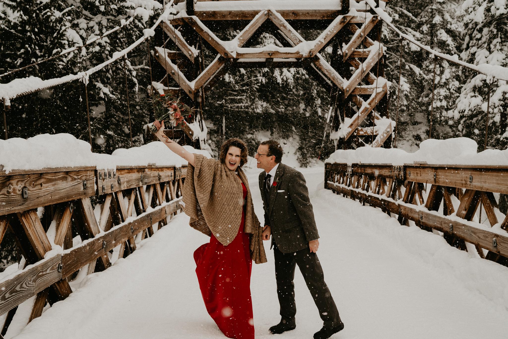 Mount-Rainier-Snow-Winter-Elopement-Adventure-Photographer2-51.jpg