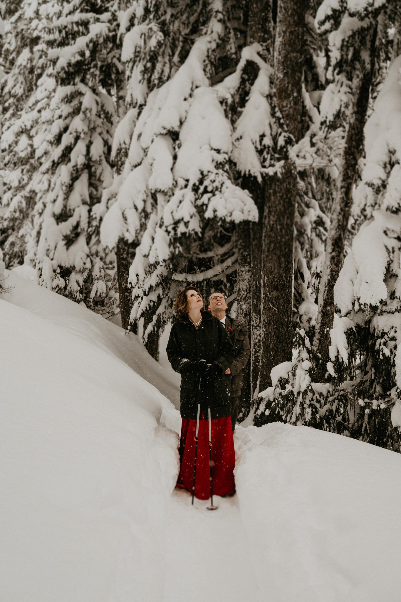 Mount-Rainier-Snow-Winter-Elopement-Adventure-Photographer2-59.jpg