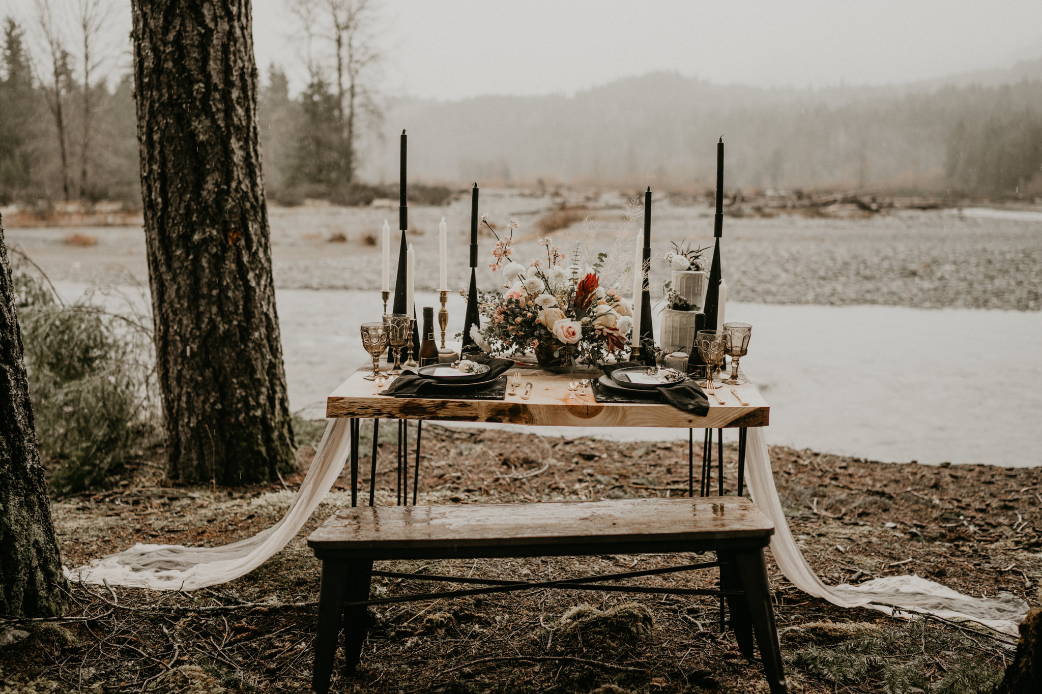 Elegant fall palette sweetheart table in the PNW