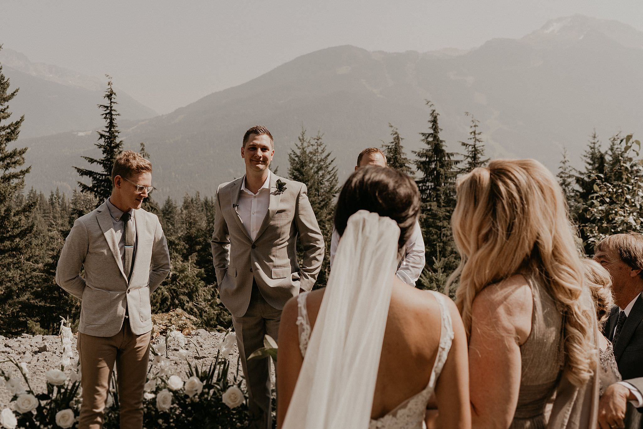 whistler-mountain-helicopter-elopement-wedding_0045.jpg