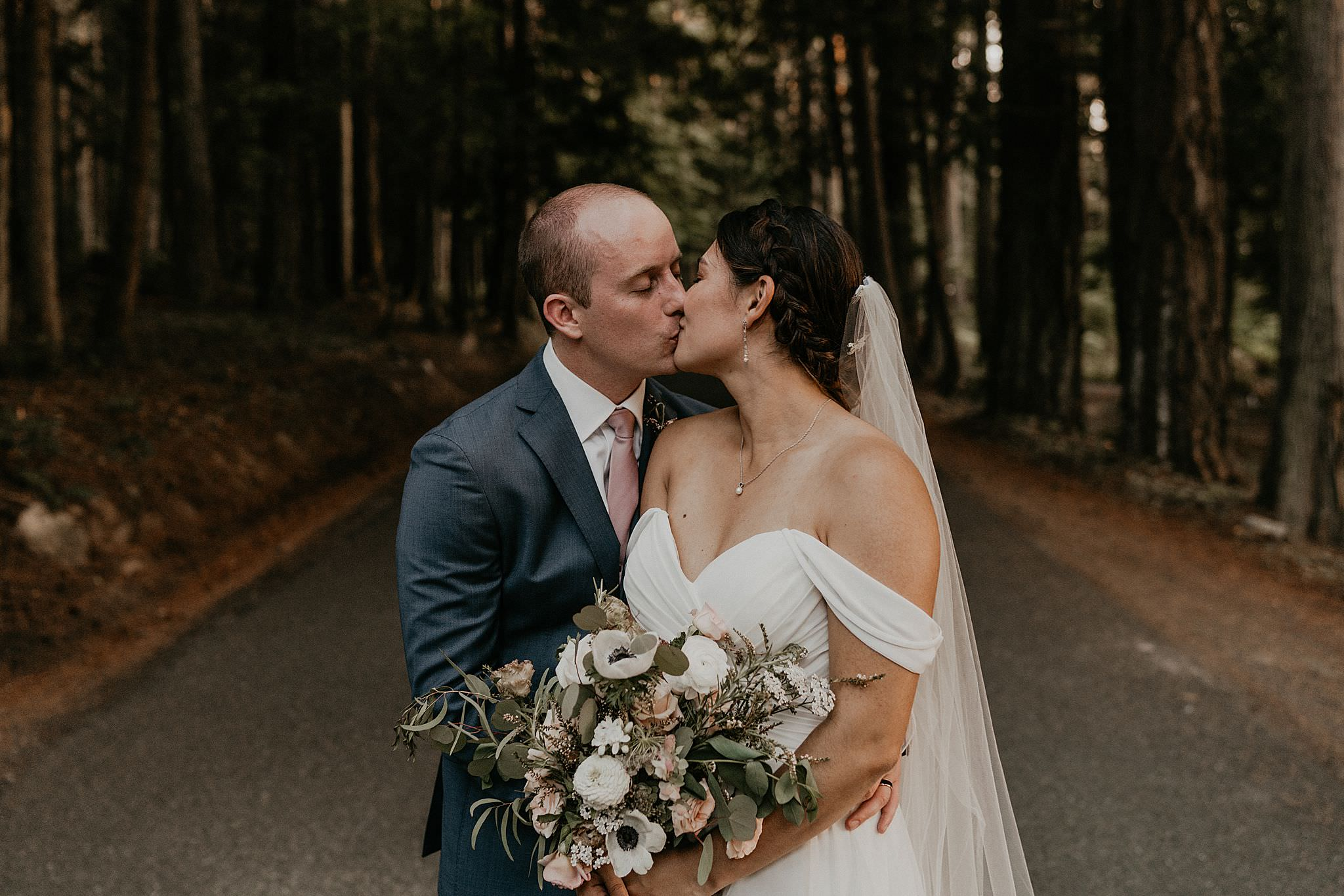 twilight inspired foggy Pacific Northwest wedding