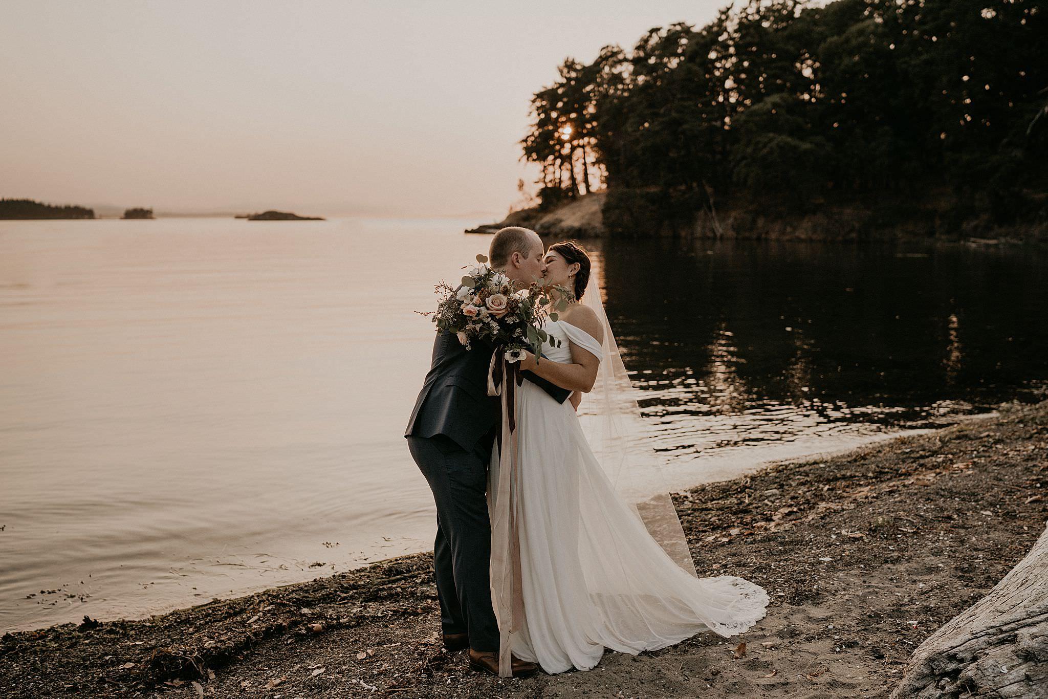 roche-harbor-wedding-san-juans-island-washington_0164.jpg