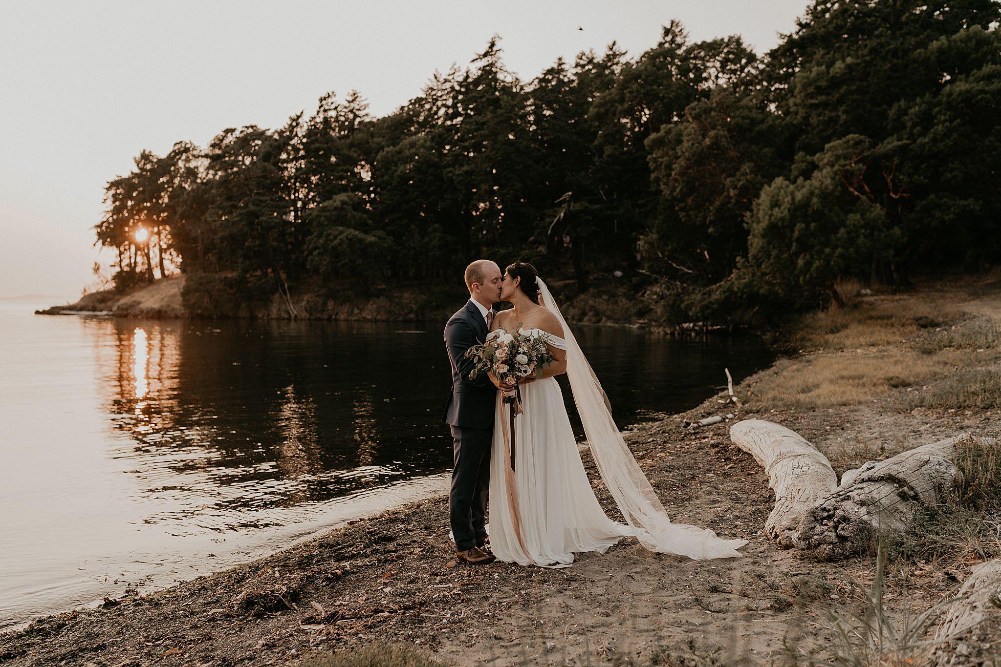 roche-harbor-wedding-san-juans-island-washington_0166.jpg