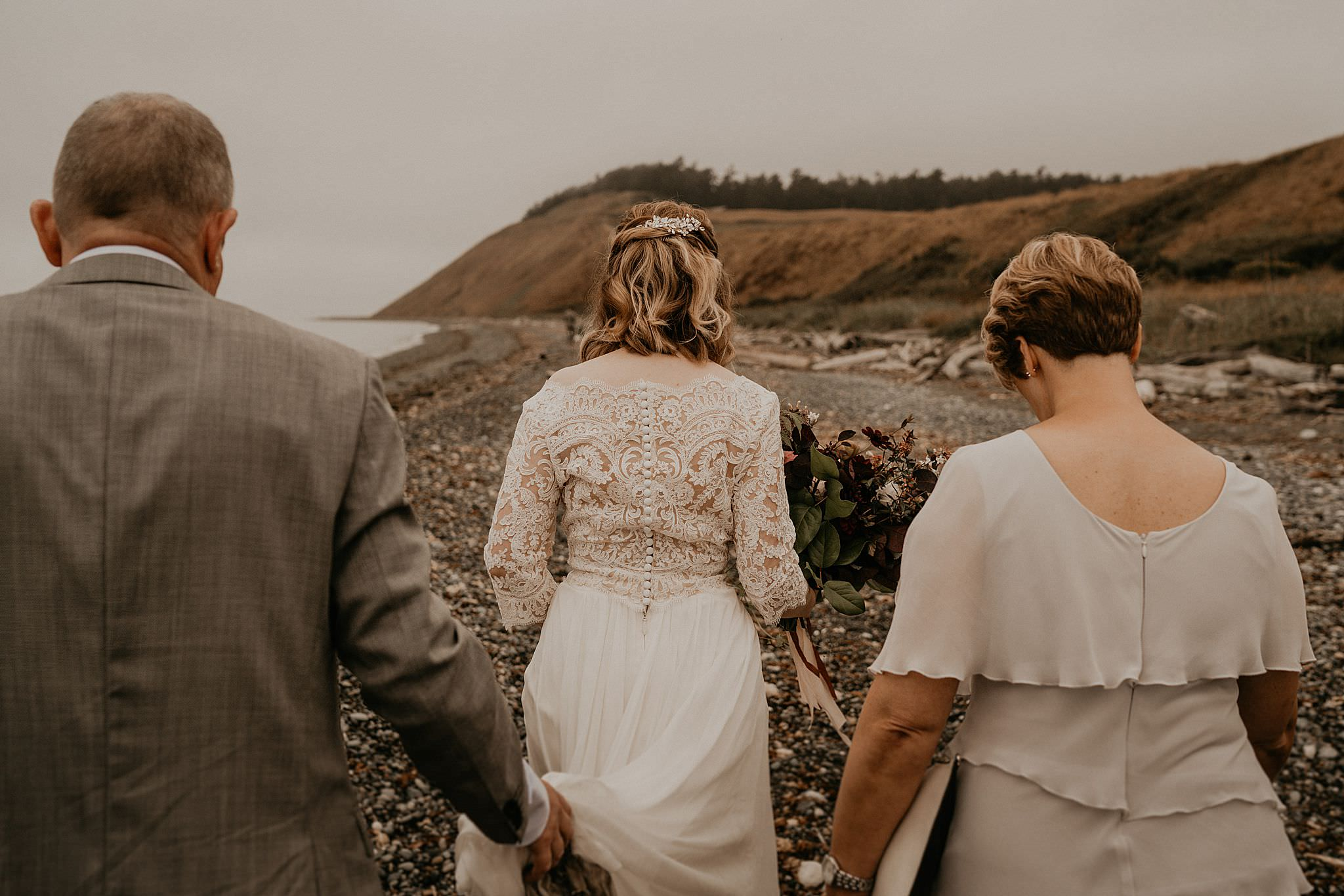 whidbey-island-wedding-intimate-elopement_0027.jpg