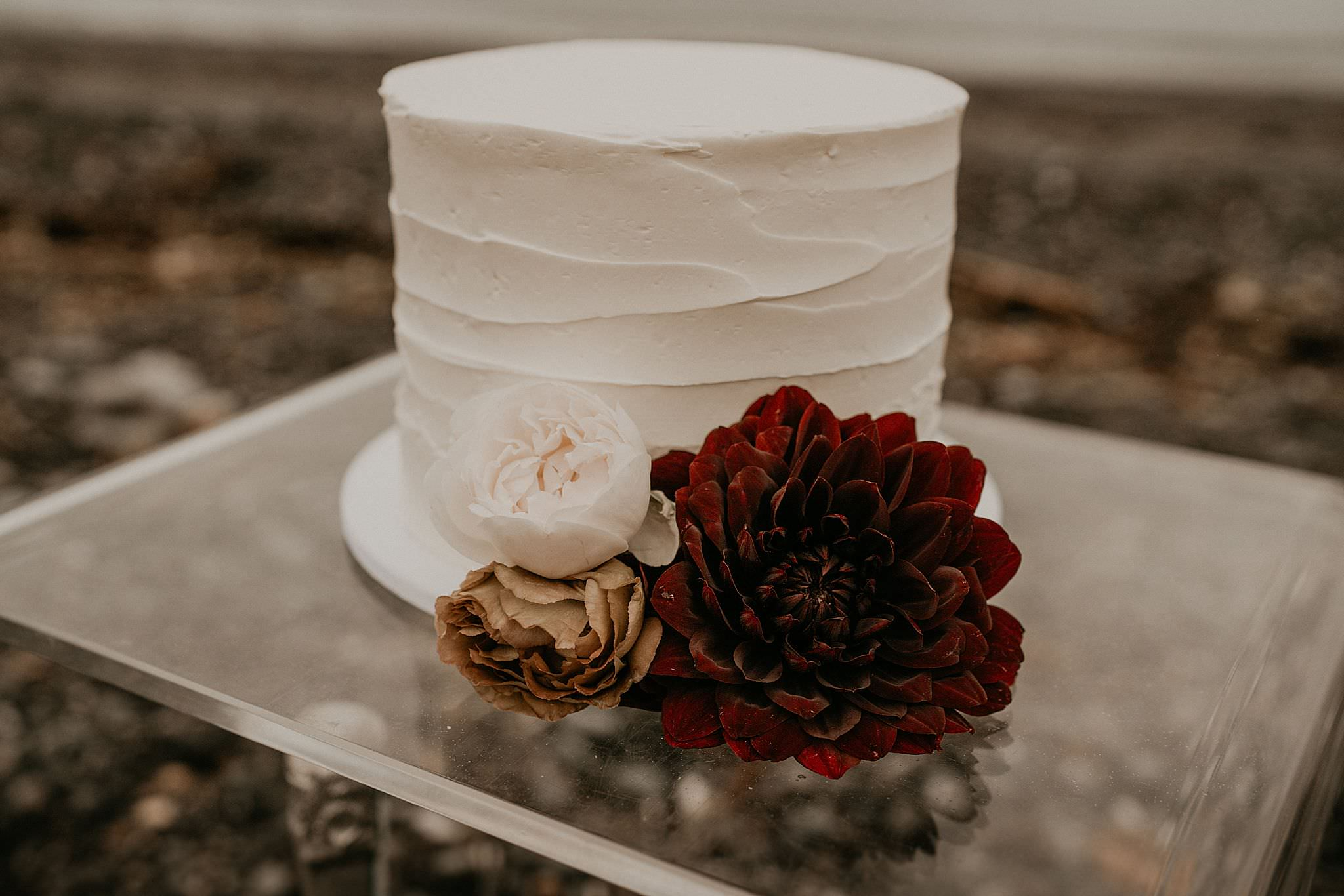 cute white boho wedding cake for a PNW elopement on Whidbey island