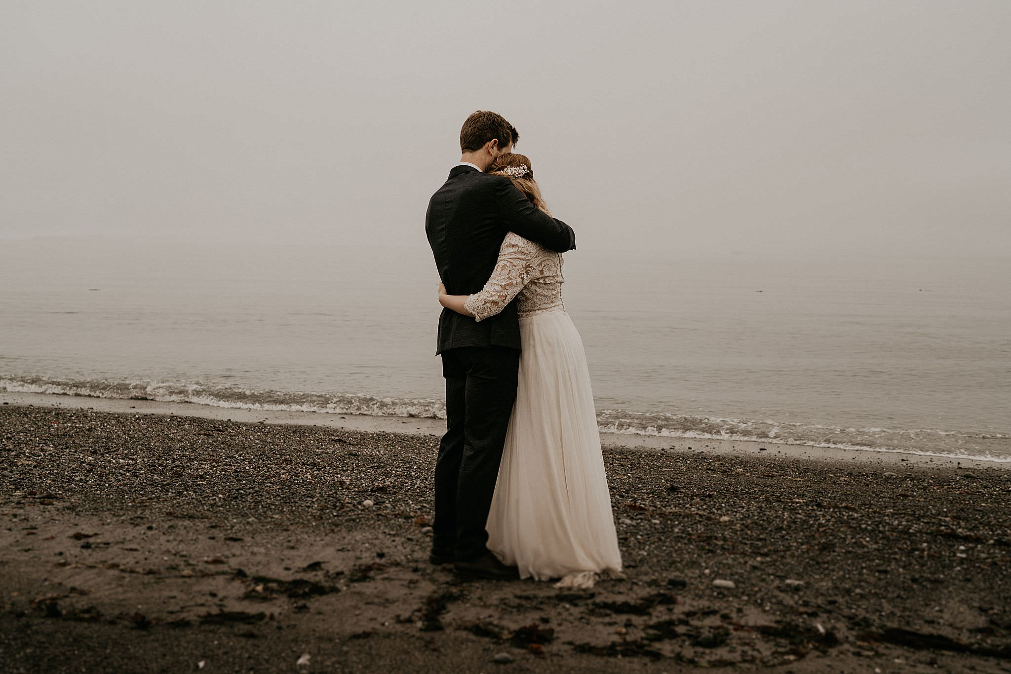 Intimate beach Washington coast wedding elopement on Whidbey island