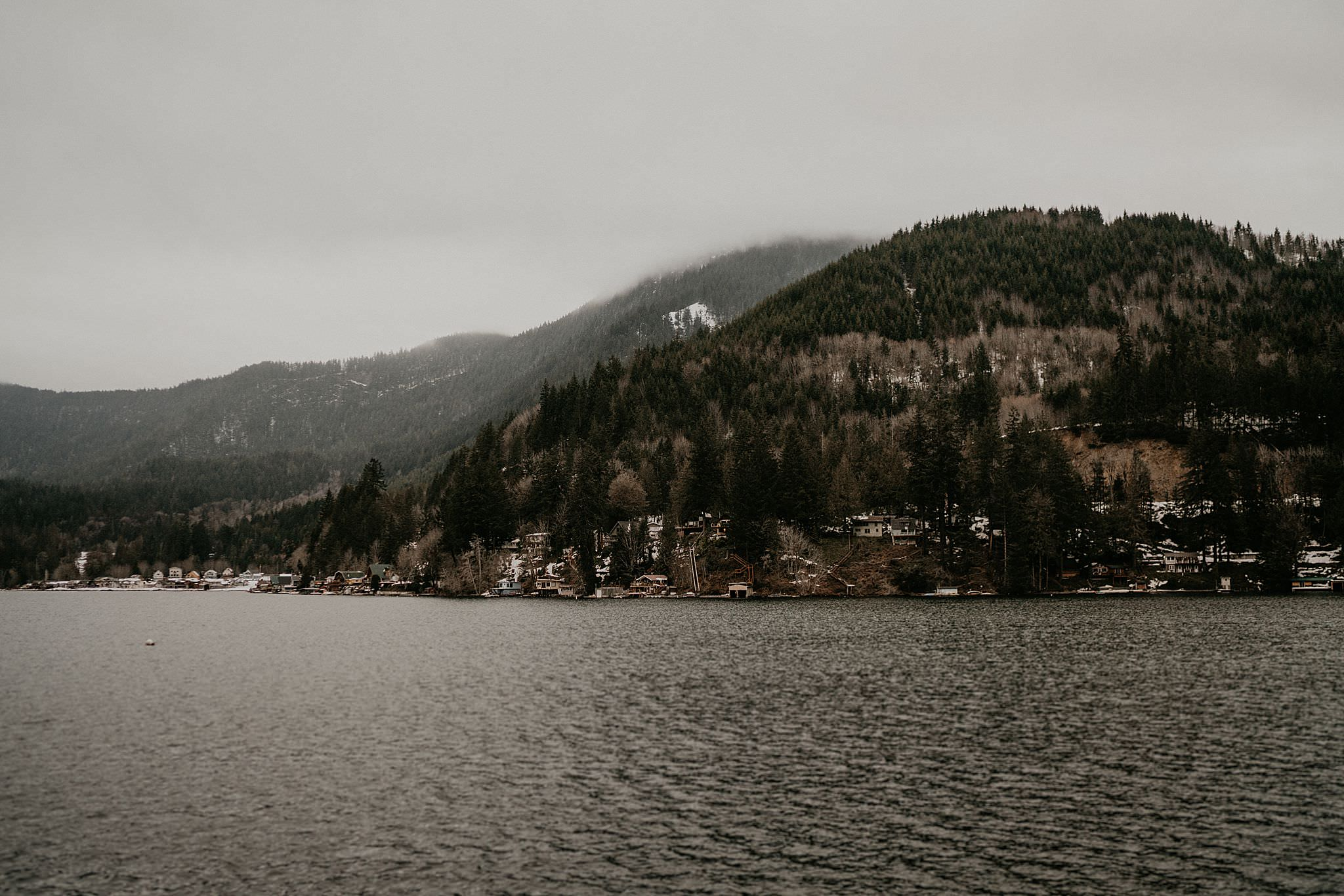 Lake crescent lodge wedding