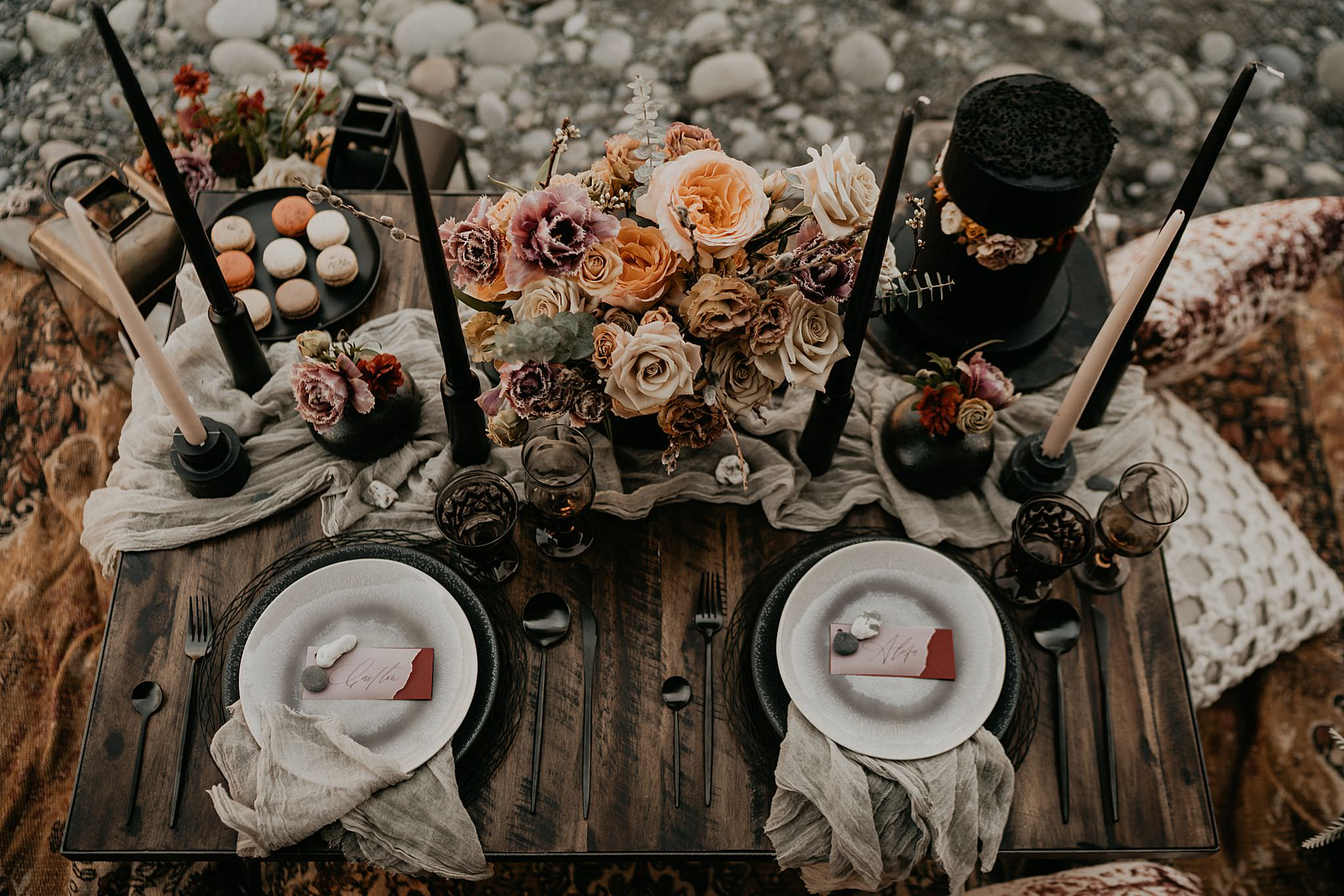 Gorgeous boho sweet heart table for ruby beach elopements and weddings by Rain and Pines