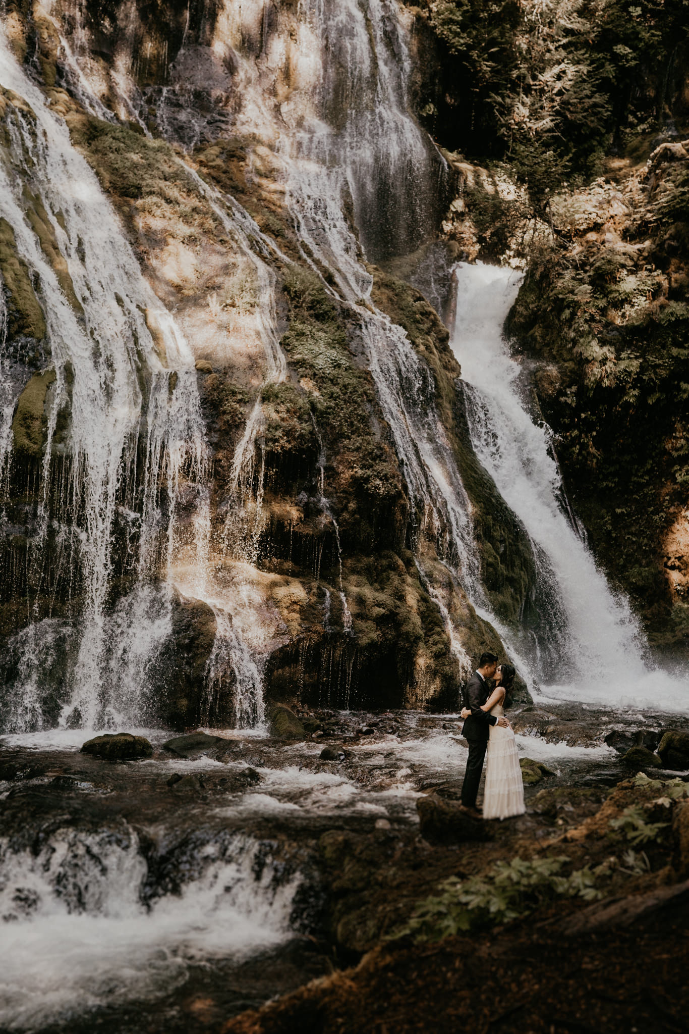 Gifford Pinchot adventure elopement by panther creek waterfalls