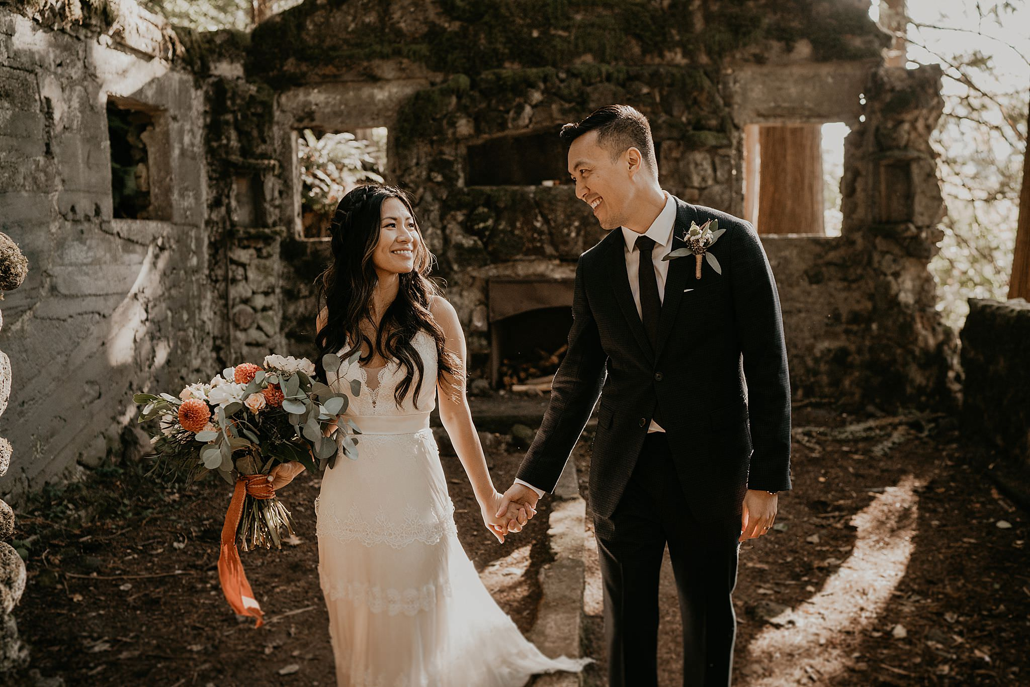 Skamania stone house intimate wedding. Columbia River Gorge Elopement