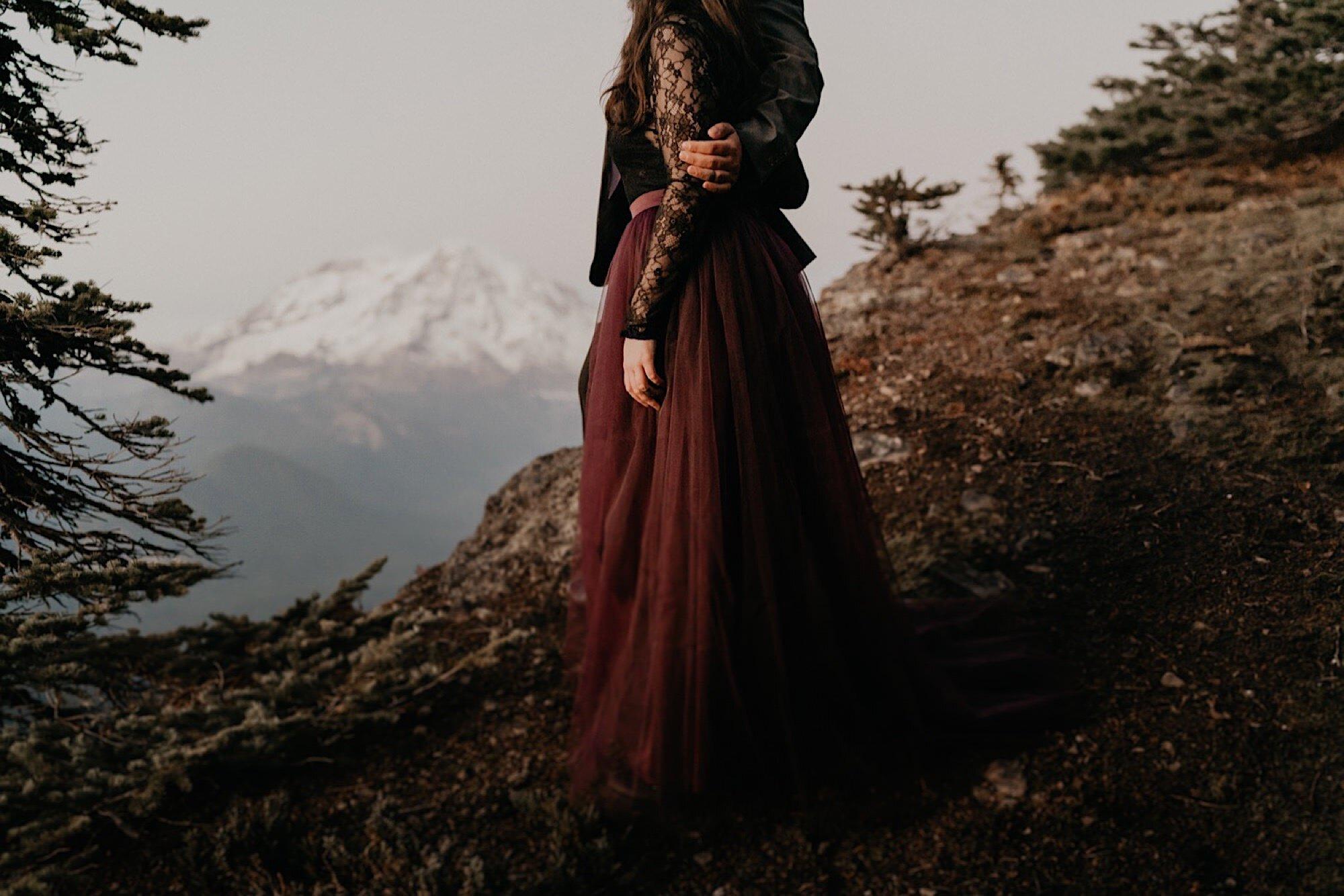 mount-rainier-hiking-adventure-elopement-18.jpg