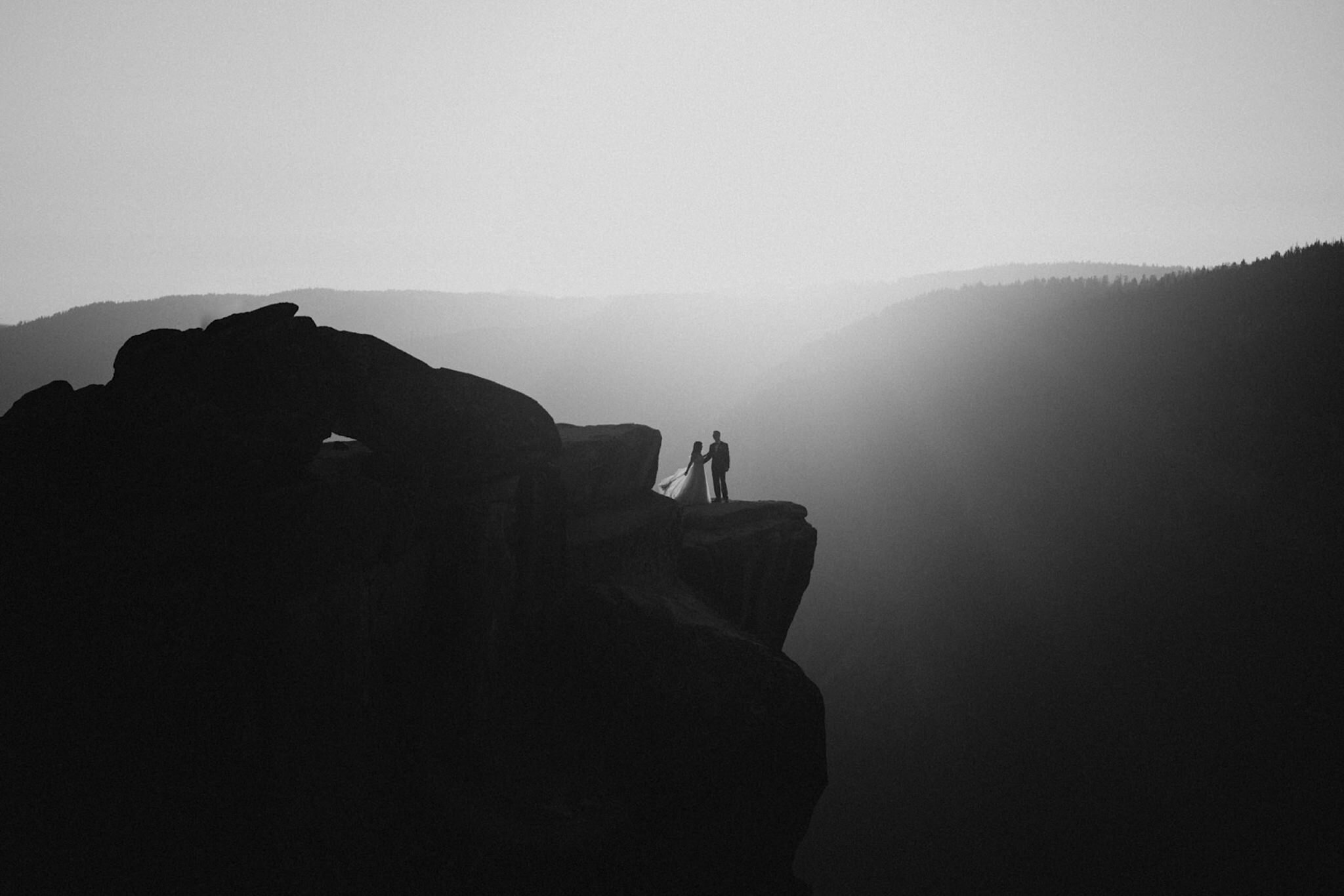 Hanging rock at Yosemite National Park wedding and elopement