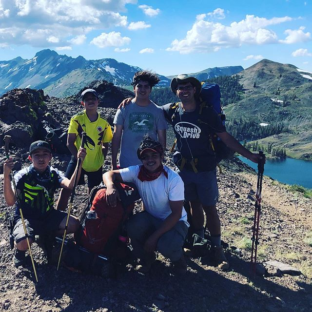 Look at the view 👀 4 SquashDrive students and fearless leader Torey take on the High Sierras for a 3 day backpacking adventure! Into the wild....⛰⛺️🏕🗻