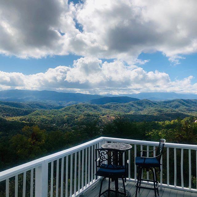 Or morning view.  #blueridgemountains