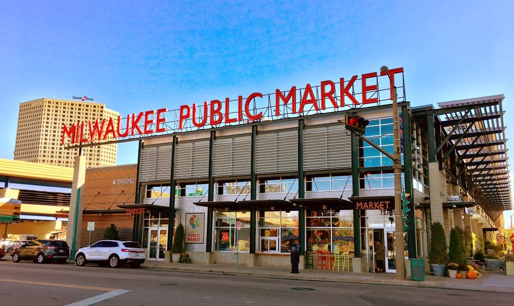 Milwaukee Public Market - Bursting with one-of-a-kind, high quality selections of artisan & ethnic products and freshly-made prepared foods, you're sure to enjoy shopping the independent merchants of the Milwaukee Public Market.