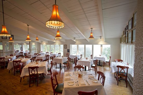 Lake Park Bistro - A historic pavilion, adorned with a warm French kitchen, nestled on a bluff overlooking Lake Michigan. The menu consists of upscale French fare and an extensive wine list.
