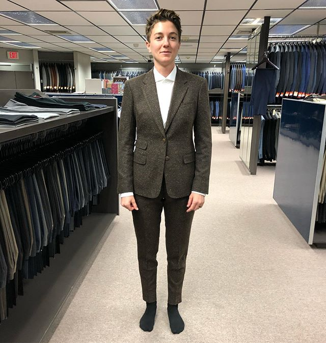 Welcome to the Robert Stanley Family Katie!! Thank you for putting your faith in us for your wedding suit on your big day. This is the first women's suit that we have made and it couldn't have fit any better. Katie picked out a gorgeous brown lightweight stretch tweed fabric from @ducotex in Italy #RobertStanley #Bespoke #BeverlyHills #Wedding #WomenSuit #Tailored