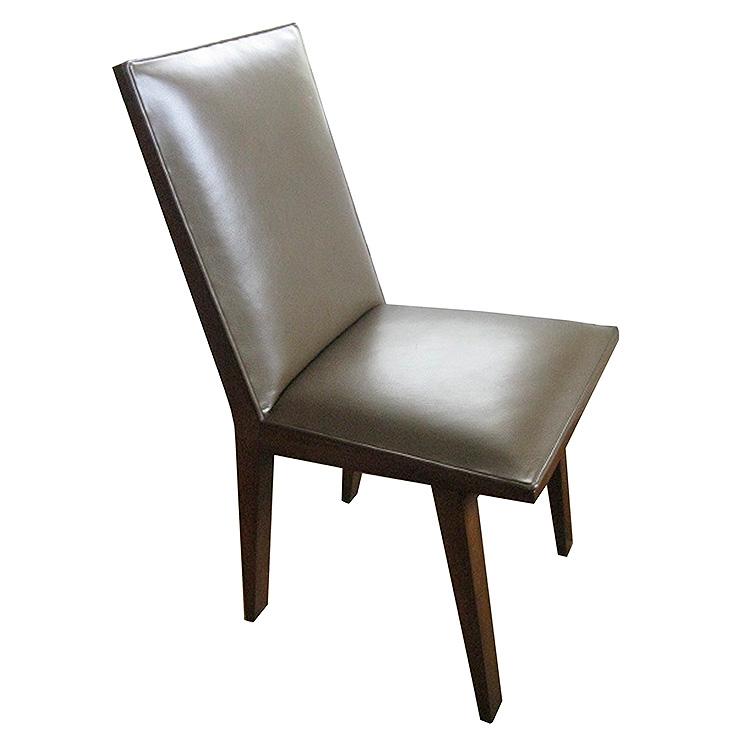 Julia_Chair01.jpg