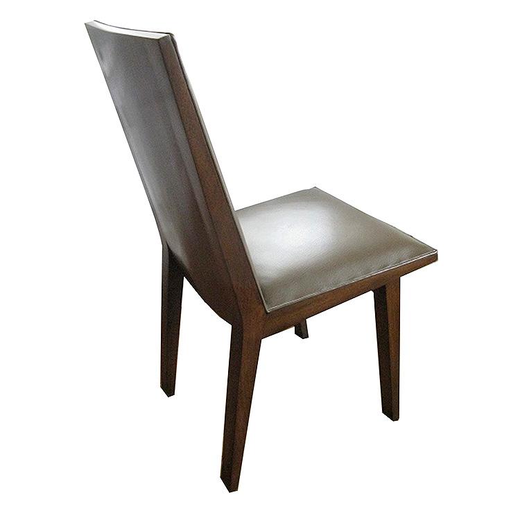 Julia_Chair02.jpg