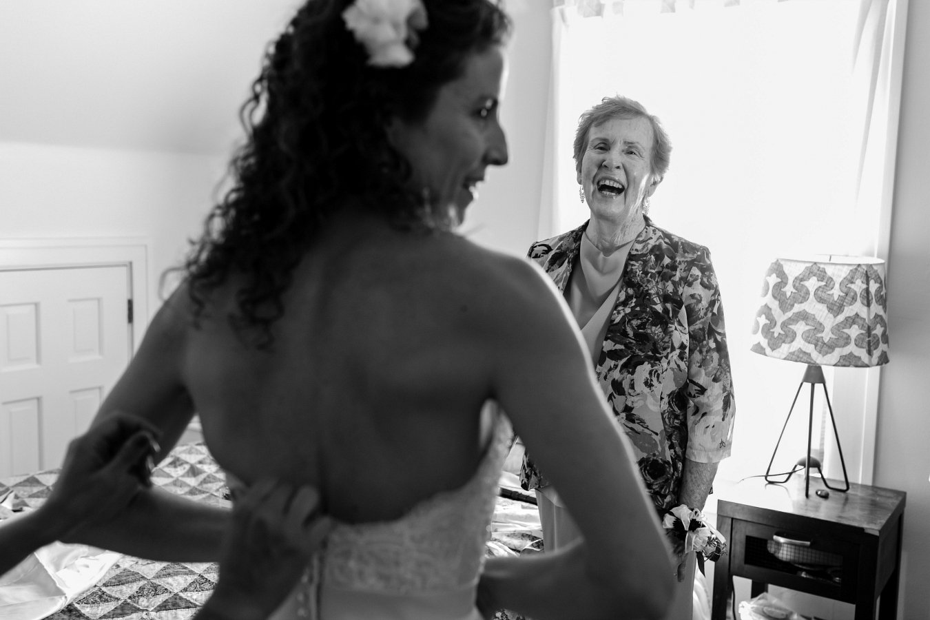 Tips for Best Wedding Photos: Have Your Mom Sit with You as You Get Dressed