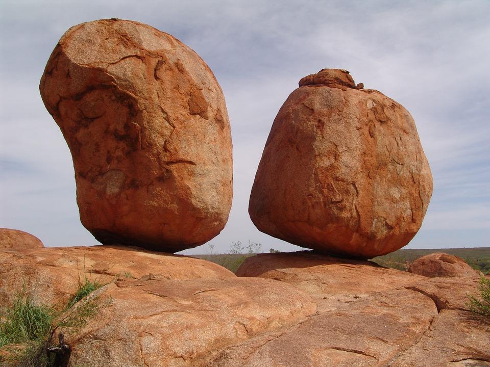 devil-stones-95903_960_720.jpg