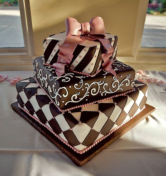 Wedding-Cake-Gift-California