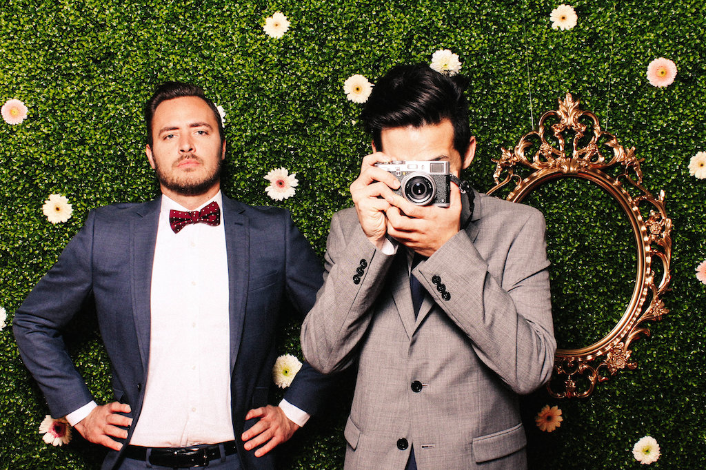 Wedding-Photo-Flower-Camera