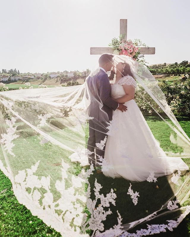 """""""Love is patient, love is kind. It does not envy, it does not boast, it is not proud. It does not dishonor others, it is not self-seeking, it is not easily angered, it keeps no record of wrongs. """" 1 Corinthians.Beautiful couple - Robin & Fernando ❤️ photo by @labraphotography"""