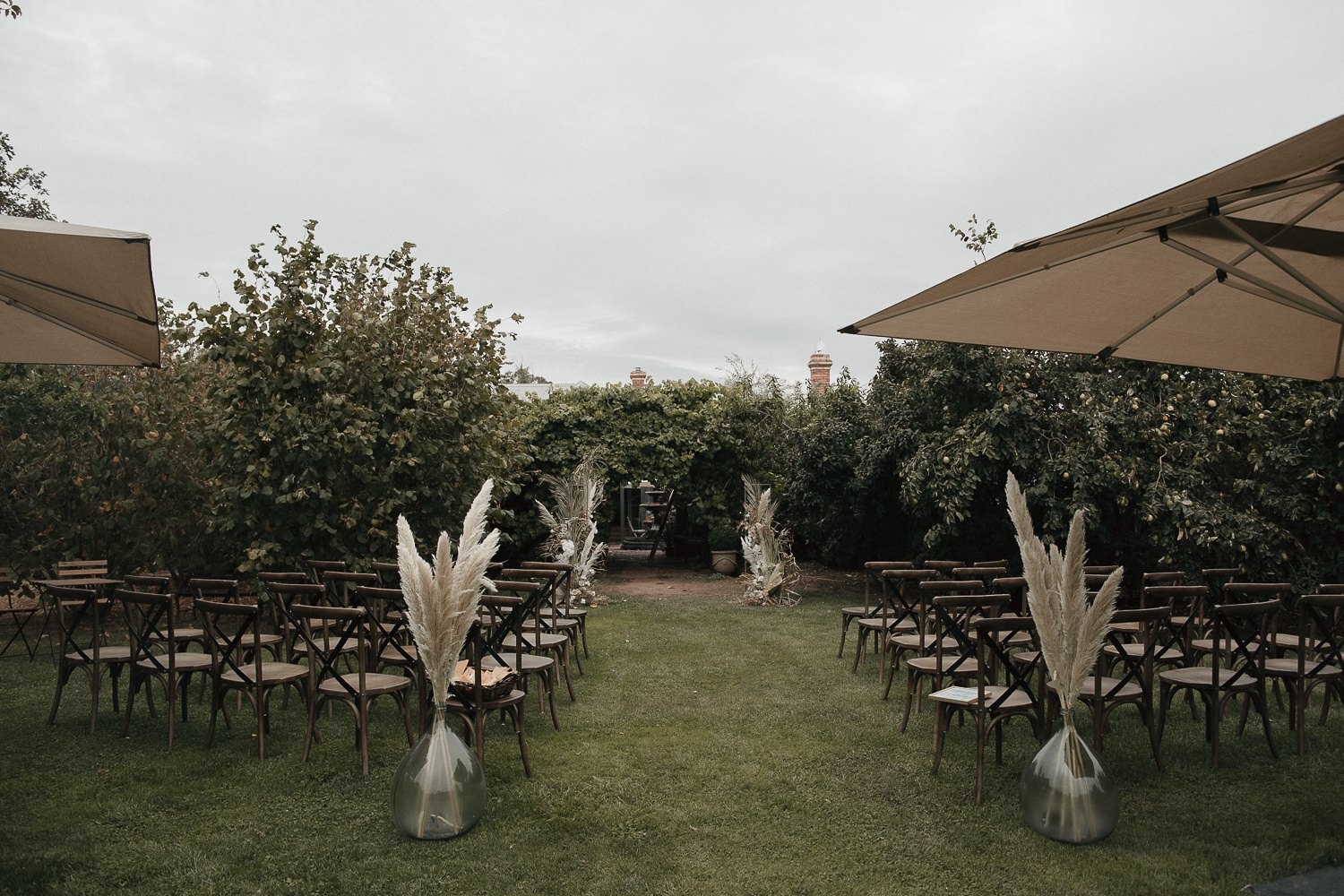 private-property-wedding-relaxed-melbourne-fun-documentary-photography_0034.jpg