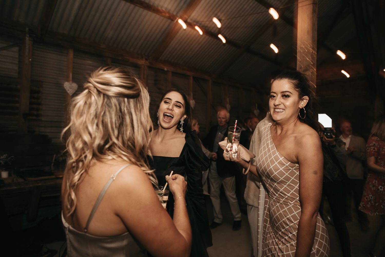 private-property-wedding-relaxed-melbourne-fun-documentary-photography_0167.jpg